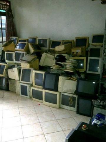 Foto: Terma Borongan Komputer Laptop Dan Furniture