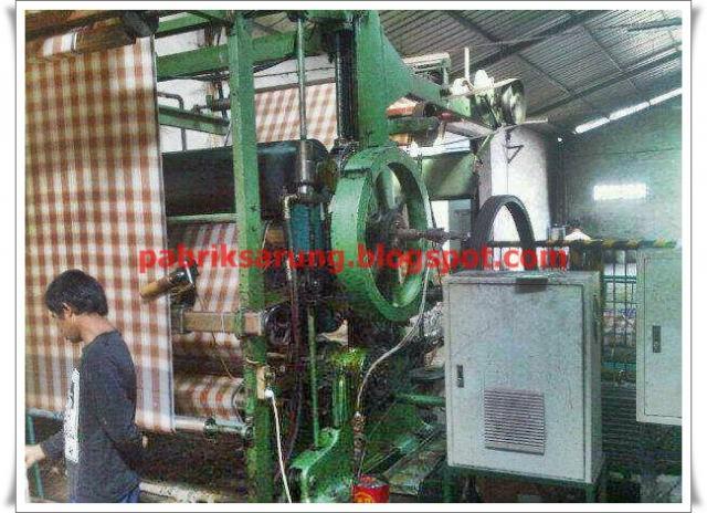 Foto: Produksi Sarung Tenun Termurah Di Indonesia