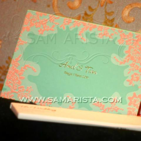 Foto: Undangan Pernikahan Hardcover Cantik Dan Souvenir Unik