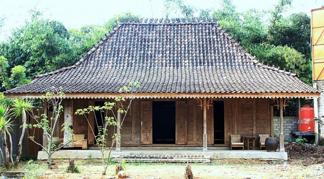 Foto: Rumah Adat Jawa Model Limasan