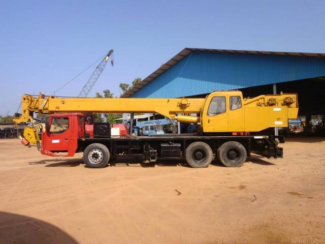 Foto: Dijual 1 Unit Truck Crane Merk Terex Chang Jiang Hydraulic 25 Ton Tahun 2005