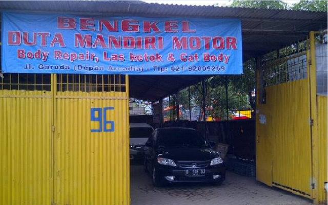 Foto: Bengkel Body Repair Mobil, Las Ketok Dan Cat Mobil Duta Mandiri Motor