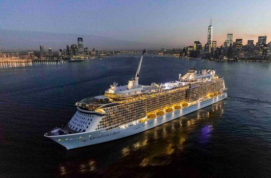 Foto: Berlibur Dengan Kapal Pesiar