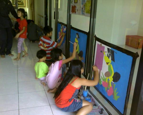 Foto: Bimbingan Belajar, Baca Tulis Berhitung, Sanggar Lukis, Playgroup, Daycare Penitipan Anak