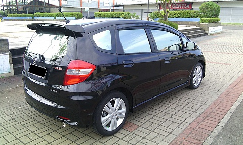 Foto: Honda Jazz Rs 2012 Black Over Kredit