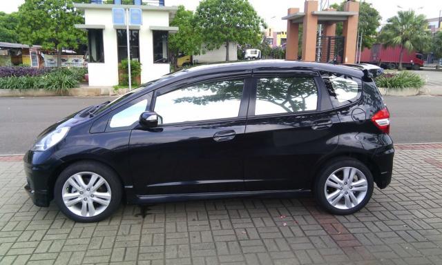 Foto: Honda Jazz Rs 2012 Black Over Kredit