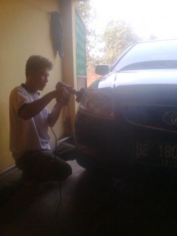 Foto: Spesialis Poles Lampu Mobil Bandr Lampung