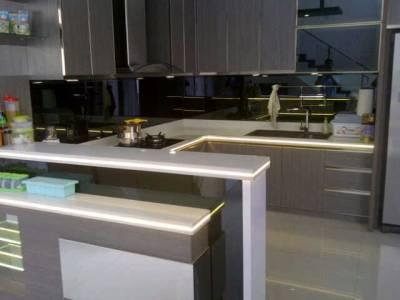 Foto: New Solid Surface Tidak Kalah Cantik Dari Marmer Dan Granit