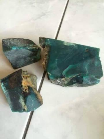 Foto: Bongkahan Batu Bacan Doko Super Kristal