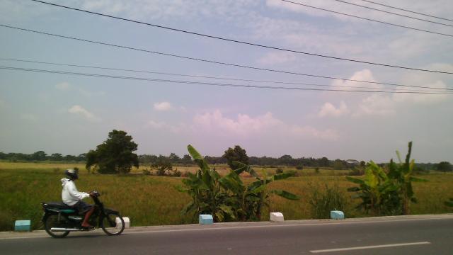 Foto: Tanah Di Lokasi Strategis