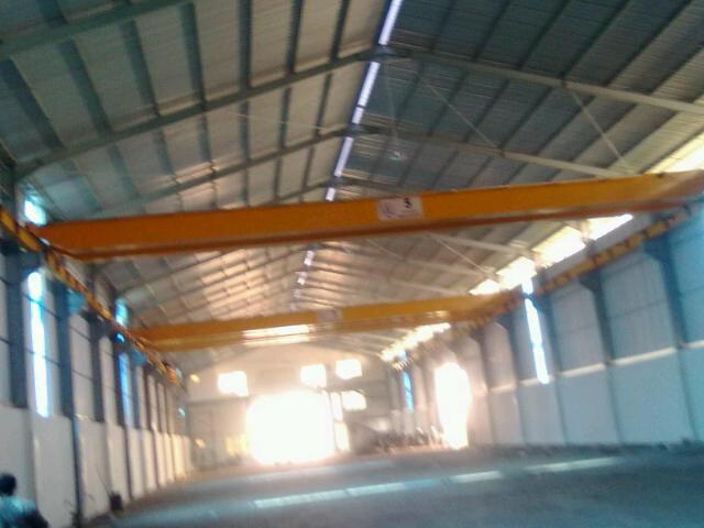 Foto: Hoist Crane And Cargo Lift Surabaya