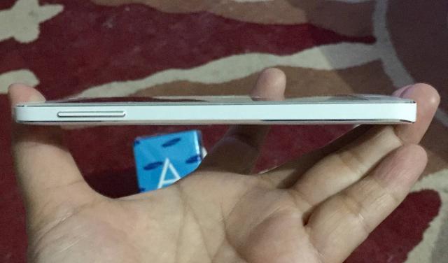 Foto: Jual HP Samsung Galaxy A3 Putih Second Mulus