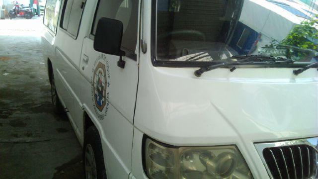 Foto: Mobil Ambulance 2006 Solar Siap Jalan Di Jakarta Barat