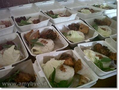 Foto: Sewa Tenda Dekorasi Dan Catering Nasi Box Amybye