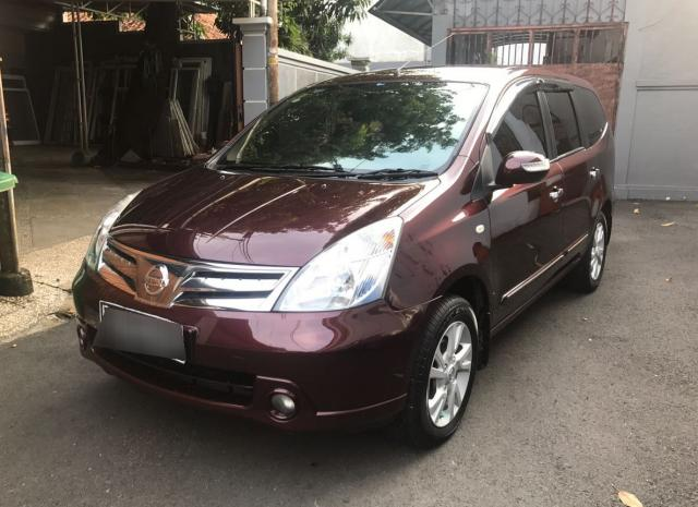 Foto: Jual Grand Livina Ultimate 1.5 AT 2011 Merah Maroon