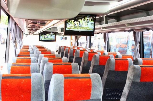 Foto: Sewa Bus Pariwisata, Sewa Mobil Avanza/Xenia/Innova, Sewa Mobil Jogja