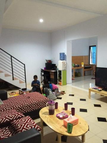 Foto: Jual Cepat Butuh Uang Rumah Bagus Murah di Susukan, Ciracas, Jakarta Timur