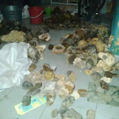 Foto: Jual Chalcedony Batu Raja Harga Tambang