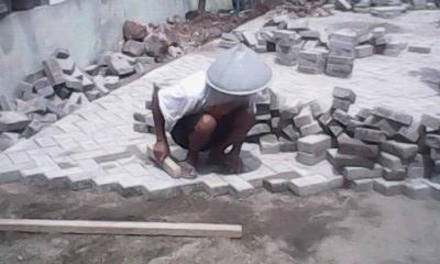 Foto: Jasa Tukang Pasang Paving | Tukang Drainase