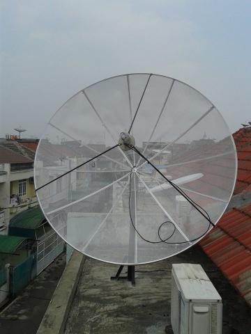 Foto: Pasang Parabola Area Bogor